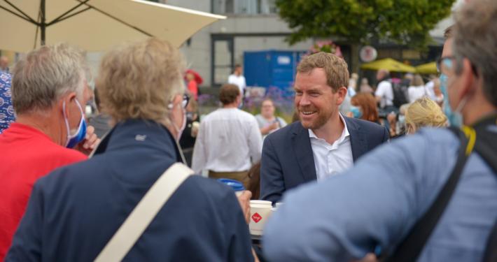 Ulf Kämpfer bei der Eröffnung Holstenfleets.